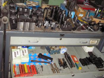VARIOUS CABINETS AND TOOLING - 645932